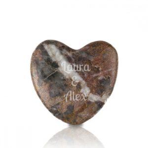 piedra en forma de corazon con grabado personal regalos es